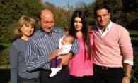 Fetita Elenei Basescu pe coperta unei reviste la doar 6 luni. Cat de mare a crescut - FOTO