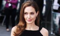 S-a lasat de negru? Angelina Jolie, fermecatoare intr-o tinuta de culoarea fildesului - FOTO