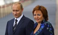 Fotografia care face furori: Fosta sotie a lui Putin, intr-un costum care l-ar fi suparat acum - FOTO