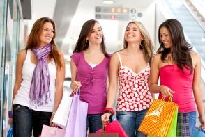 Cumparaturile aduc fericirea! Afla care este cel mai indispensabil obiect din garderoba femeilor