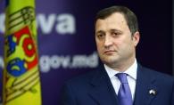 Vlad Filat, alaturi de nepotica lui Traian Basescu! Cat de bine ii sta cu fetita in brate - FOTO