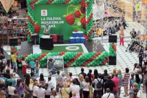 """Shopping MallDova si-a premiat norocosii care au participat la  """"Culesul reducerilor de vara"""""""