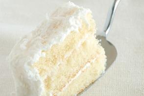 Prajitura Alba ca Zapada: un desert delicat cu aroma de vanilie