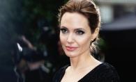 Este criticata ca a ajuns piele si os! Cat de sexy arata Angelina Jolie la 16 ani - FOTO
