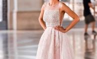 Ca o printesa! Vezi ce rochie a purtat un model renumit din Romania la filmarile unei pelicule - FOTO