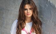 Selena Gomez, camuflata din cap pana in picioare. Afla despre ce este vorba - FOTO