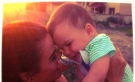 Katy Rain iti spune ce ii citeste baietelului ei! Vezi cum poti sa il inveti de mic sa iubeasca cartea - FOTO