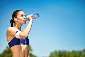 Sportul si consumul de apa. Afla care sunt regulile hidratarii corecte in timpul sportului