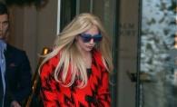 Ce are Lady Gaga sub pardesiu? Tinuta provocatoare care a starnit o multime de controverse