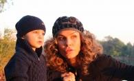 Baietelul Annei Lesko e adorabil! Vezi cum micutul Adam impodobeste bradul - VIDEO