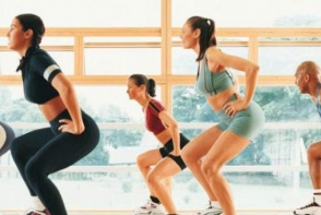 Exercitii cardio! Vezi cum poti imbina muzica si aerobicul - VIDEO