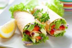 Burrito cu avocado si ou