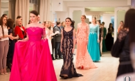 Prezentare de moda, la petrecerea aniversara perfecte.md: Admira rochiile de seara si de mireasa a showroom-ului