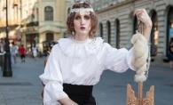 Iulia Albu face de nimic o cantareata din Romania:
