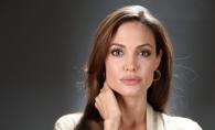 Prima sedinta foto a Angelinei Jolie a fost facuta publica.