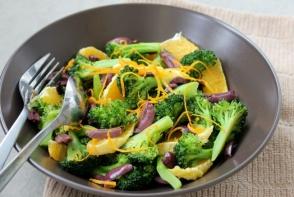 Salata de broccoli cu portocale si masline