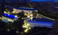 Beyonce si Jay-Z, vila de lux, de 93 de milioane de dolari! Cum arata locuinta gigantica, cu 10 dormitoare si parcare pentru 50 de masini - FOTO  18 iunie 2016 17:31