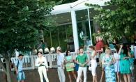 Radler Summer Vibe, un eveniment cu de toate: muzica, moda, dansuri, tort si o atmosfera pe cinste - VIDEO