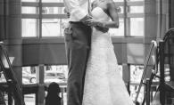I-a promis sotului ca imbraca rochia de mireasa la fiecare aniversare. Motivul este emotionant - FOTO
