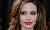 Angelina Jolie, regina extremelor. Marile secrete macabre ale faimoasei actrite si transformarea sa spectaculoasa - FOTO