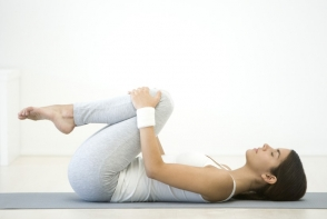 Vrei un somn mai usor? Iata ce exercitii sa faci pentru a te relaxa mai bine - FOTO