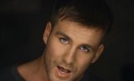 Ionel Istrati se distreaza intr-un Karaoke. Iata cum suna de fapt vocea acestuia - VIDEO