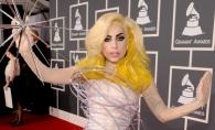 Lady Gaga s-a intors la aparitiile excentrice! Vezi ce tinuta a purtat la MTV EMA - FOTO
