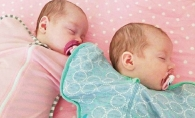 Un caz la un miliard! S-au nascut in aceeasi zi dar nu sunt gemene. Iata explicatia - FOTO