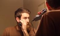 Nu s-a mai barbierit de ani de zile. Vezi reactia surprinzatoare a mamei cand il vede cu noul sau look - VIDEO
