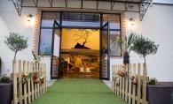 "Moldovenii din Franta se vor distra de minune de sarbatori. Restaurantul ""Chez Omenashou"" te invita la un Craciun si un Revelion de neuitat - VIDEO"