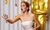 Jennifer Lawrence, campioana la cazutul pe scari! Actrita a patit din nou rusinea - FOTO