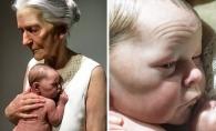 Crezi ca privesti poza unei bunici care isi tine nepotul in brate? Mai uita-te o data, adevarul te va surprinde - FOTO