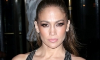Stralucitoare si extrem de sexy! Asa s-a afisat Jennifer Lopez pe covorul rosu - FOTO