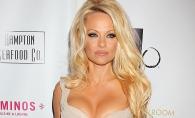 Asa nu! Pamela Anderson, aparitie de cosmar la un eveniment. Cum i-a dezgustat pe critici vedeta - FOTO