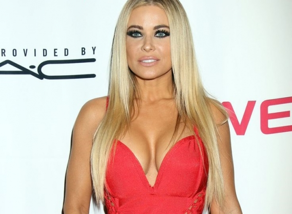 Mai sexy decat Pamela Anderson? Cat de bine arata Carmen Electra - FOTO