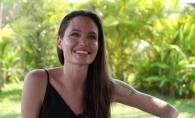 Inainte de divort, Angelina Jolie si-a tatuat 3 simboluri
