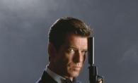 El este un sex simbol, sotia lui insa - o femeie obisnuita. Cum arata sotia fostului James Bond, Pierce Brosnan - FOTO