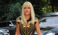 Elena Udrea, indrazneata si sexy in haine de 4000 de euro. Cum s-a imbracat fostul ministru la o iesire in club - FOTO