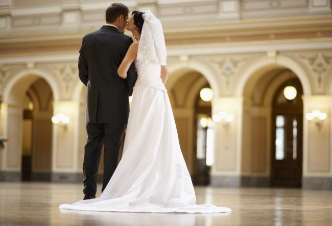 Miresele nu mai vor flori la nunta. Vezi cu ce inlocuiesc acestea buchetele spectaculoase si parfumate - VIDEO