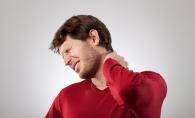 Ai gatul intepenit si suferi de durere? Trucul care te scapa in doar 90 de secunde de acest disconfort - VIDEO