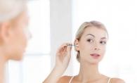 Sfatul medicilor. Afla care este cea mai buna metoda de a curata urechile - FOTO