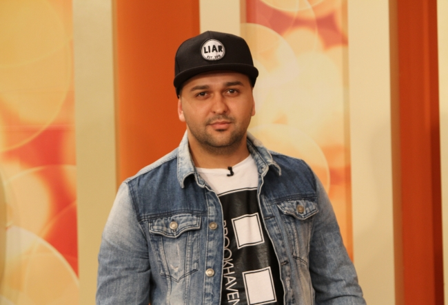 Designerul moldovean Vadim Nicorean a trecut dincolo de hotarele tarii. Acesta a lucrat pentru mai multe vedete internationale - VIDEO