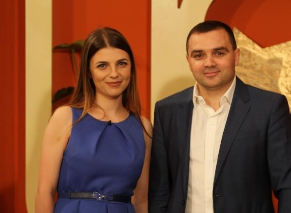 """Alina Andronic si sotul sau Ion Gustiuc au grija de frumusetea femeilor de la noi. Cei doi administreaza salonul """"Mostelle"""" - VIDEO"""