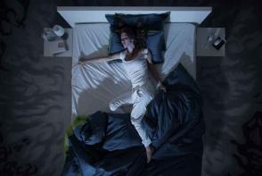 Probleme cu somnul? Ce trebuie sa faci pentru a te odihni in serile foarte calduroase - FOTO