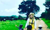 Madonna, intr-o poza emotionanta alaturi de fetitele adoptive! Copilele duc o viata ca-n povesti - FOTO