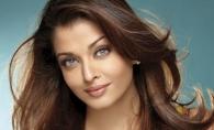 Intruchiparea perfectiunii. Cat de frumoasa este Aishwarya Rai cand se imbraca in costum traditional indian - FOTO