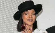 """Rihanna, criticata dur de fani!  S-a imbracat """"precum o cersetoare"""" la intalnirea cu Presedintele Frantei - FOTO"""