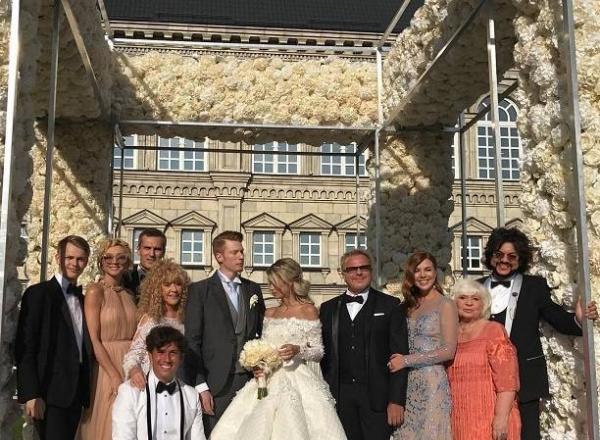 Nunta anului in Rusia! Nepotul Allei Pugaciova s-a casatorit! - FOTO