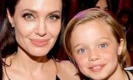 Putea fi o fetita extrem de frumoasa, dar a ales sa fie baiat! Shiloh este copia perfecta a lui Brad Pitt - FOTO
