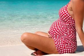 Cu burtica la plaja? Expunerea la soare in timpul sarcinii benefica sau nu?